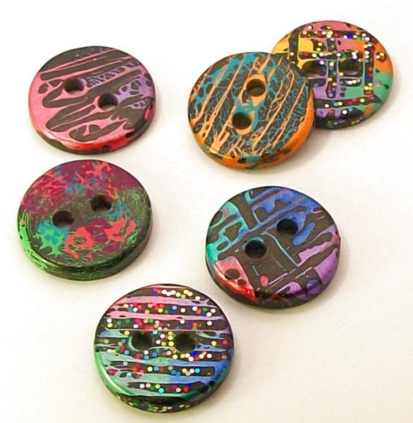 handmade buttons by McAnaraks